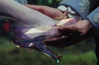Cinderella-Glass-Slipper-850x560