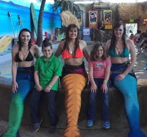 SB2015 - Aquarium Mermaids